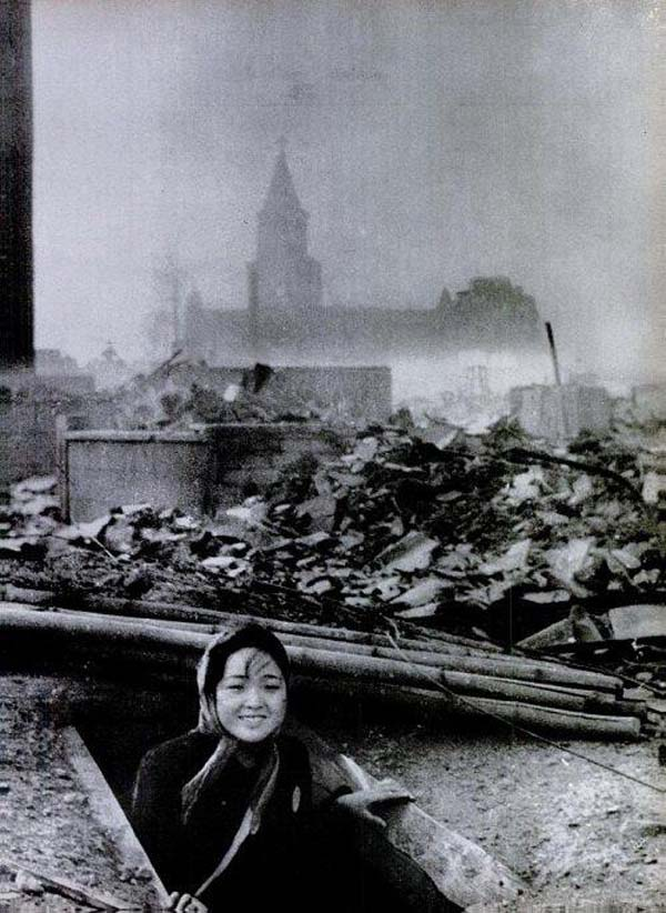 9. A woman that survived the Nagasaki bombing (1945)