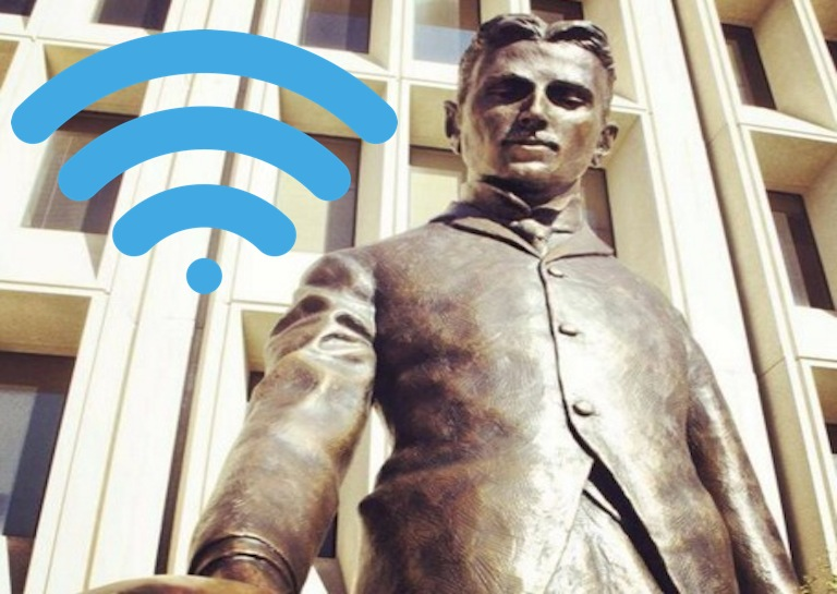 Nikola Tesla wi-fi statue
