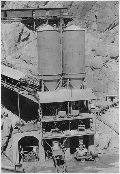 concrete mixing hoover dam