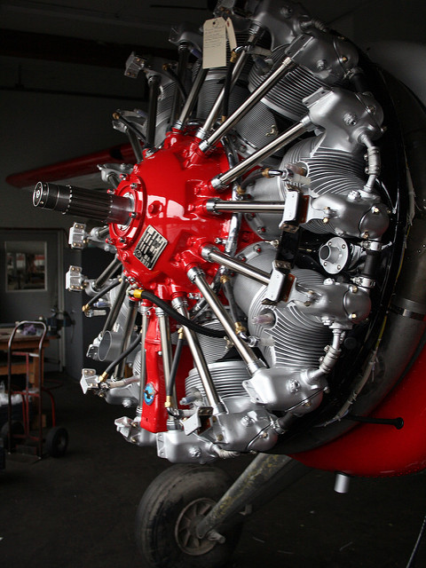 red-radial-engine