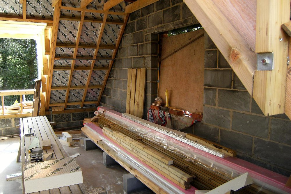 rsz_roof_insulation_goes_on_martin_pettitt