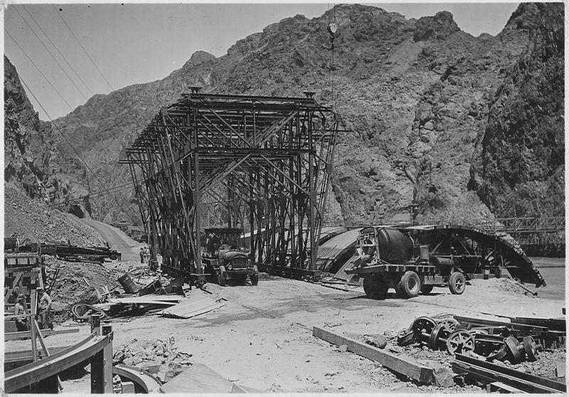 workers bridge over hoover dam
