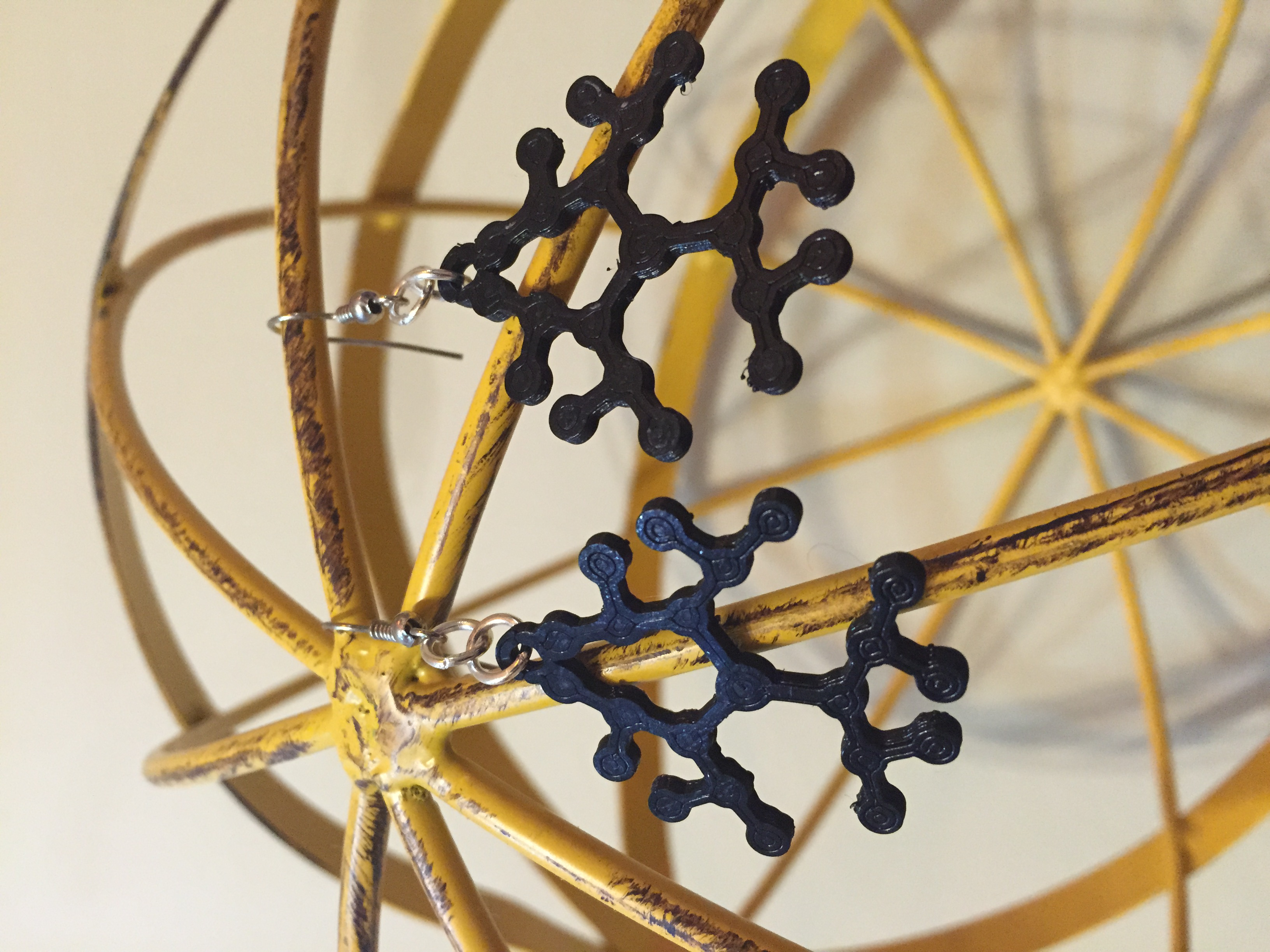 atoms molecule necklace