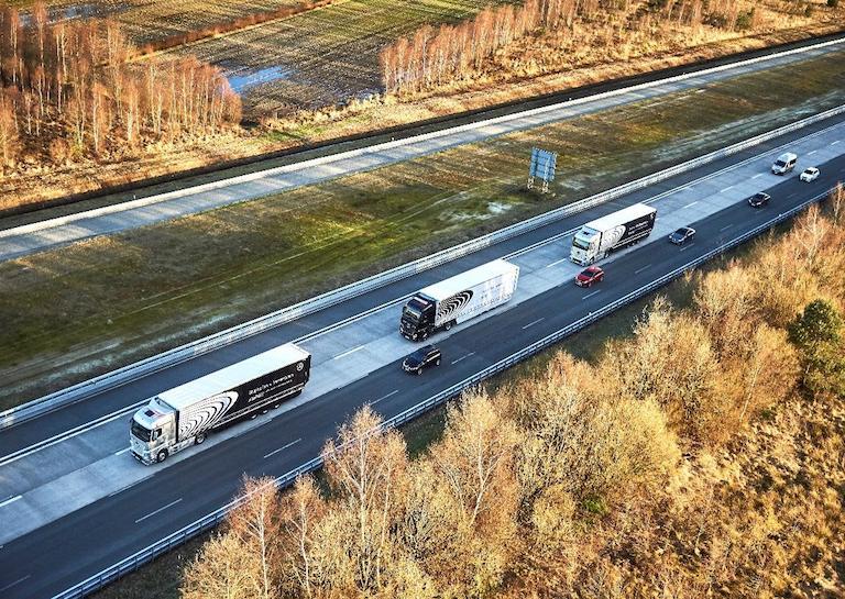 autonomous driving truck convoy