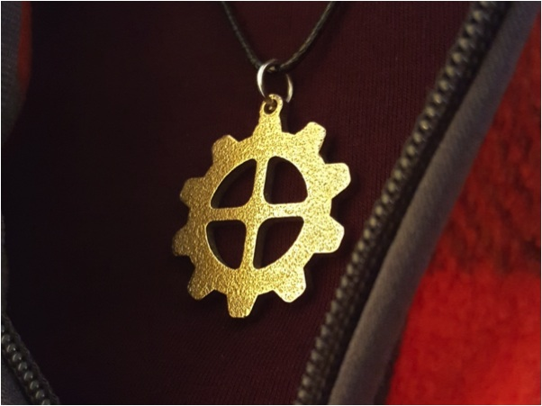 gear shaped necklace