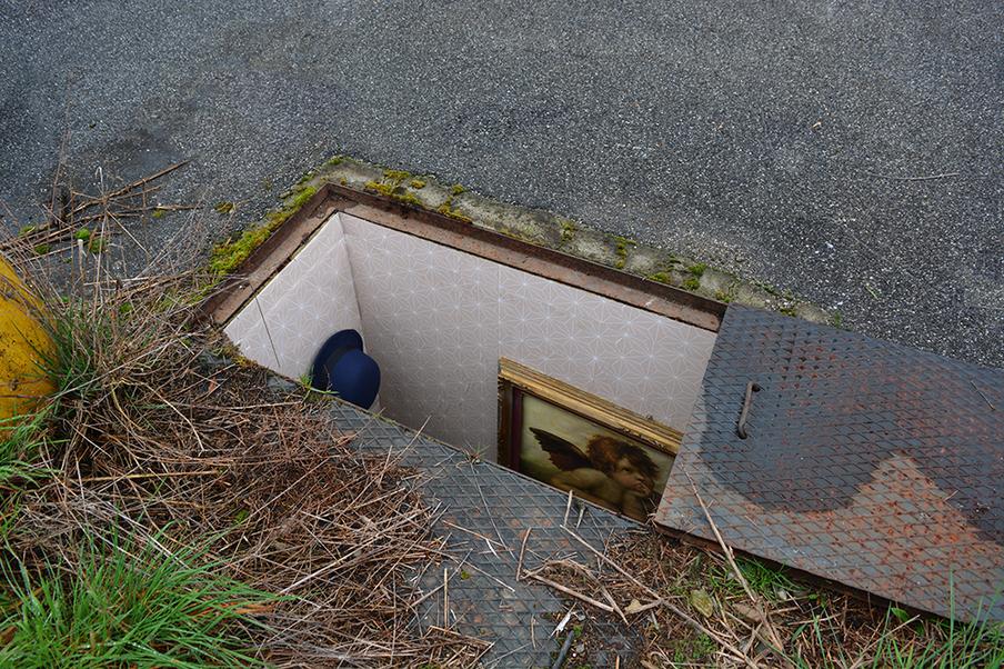 manhole room painting