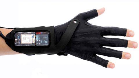 MiMu-gesture-control-glove-by-Imogen-Heap_dezeen_01_644
