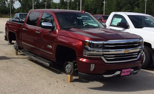 Chevy-Silverado-No-Wheels-Theft-Texas