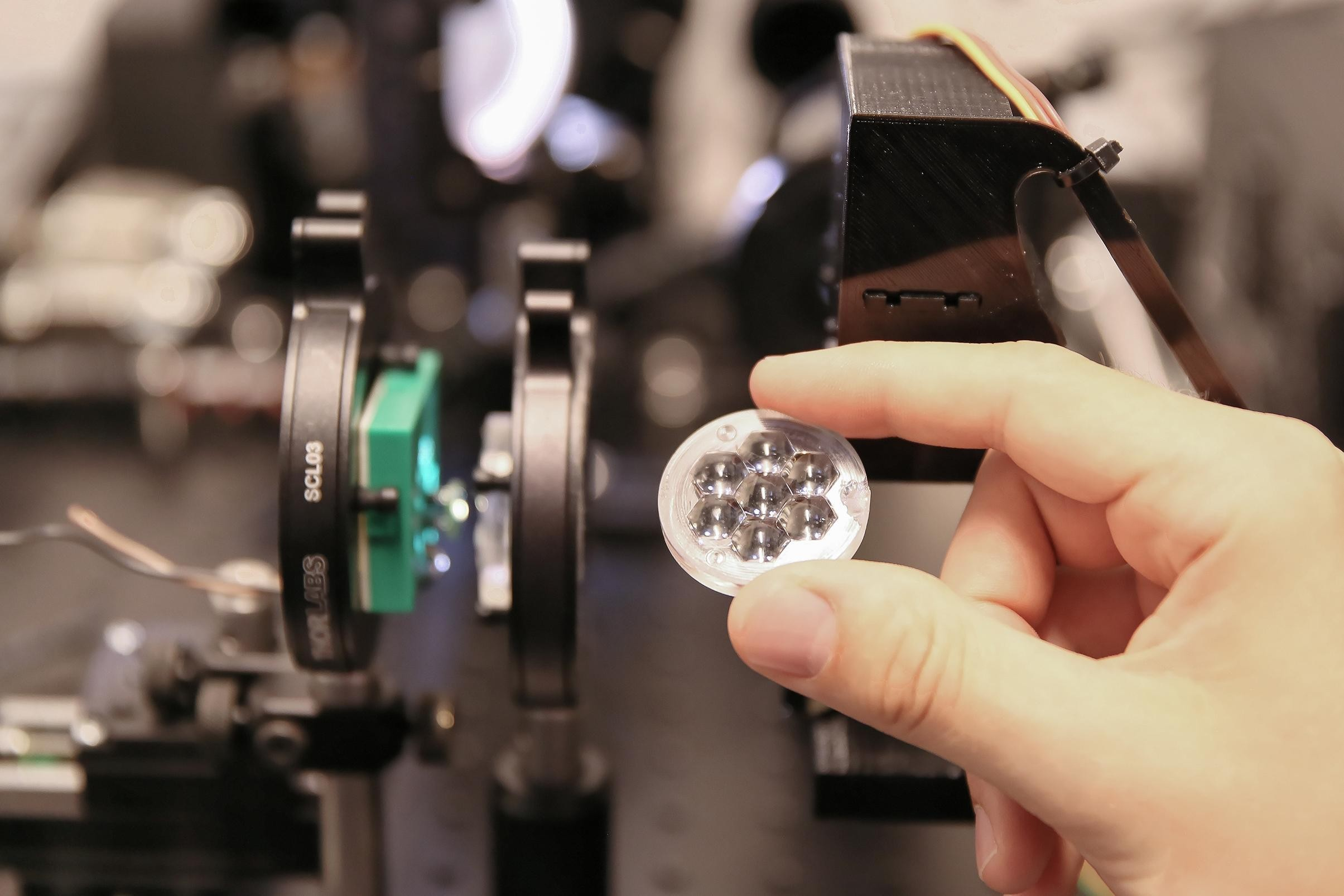 solar-cell-magnifying-lens