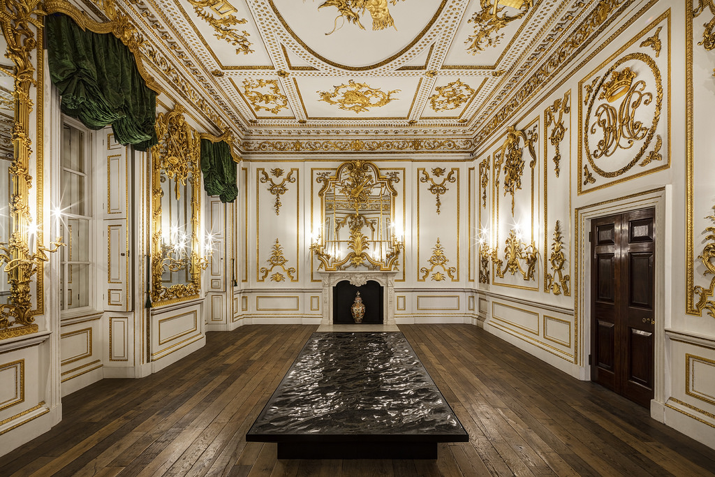 london-design-festival-2016-liquid-marble-by-mathieu-lehanneur-at-the-va2