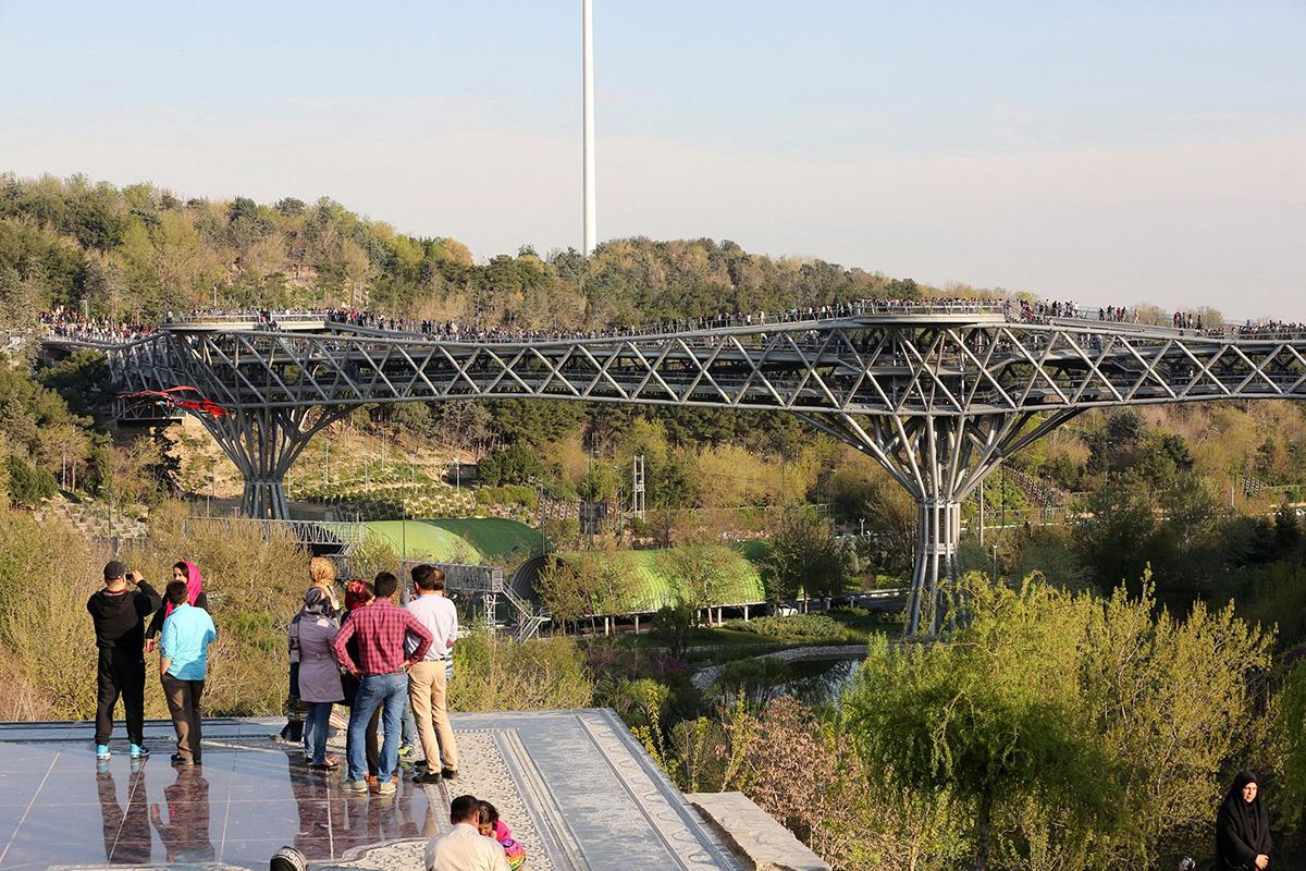 tabiat-pedestrian-bridge-tehran-_-iran