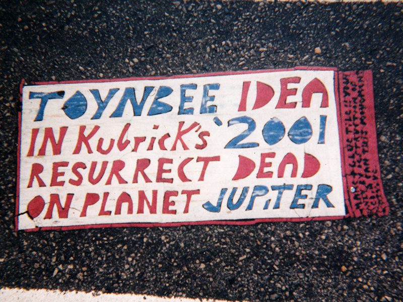 toynbee-tiles-philly-15th-chestnut-1997