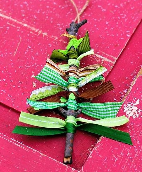 15 Snap & Fancy DIY Christmas Ornament And Decoration Ideas