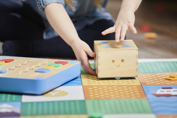 Cubetto: A Programmable Wooden Robot That Teaches Kids to Code