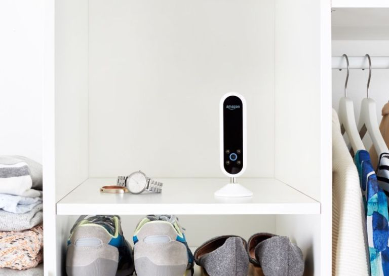 The New Amazon Echo Look Wants to Be Your Fashion Consultant