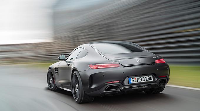 Mercedes-AMG GT C Edition 50, graphitgrau magno, Fahraufnahme // Mercedes-AMG GT C Edition 50, graphite grey magno, driving shot Kraftstoffverbrauch kombiniert: 11,3 l/100 km, CO2-Emissionen kombiniert: 257 g/km Fuel consumption combined: 11.3 l/100 km; Combined CO2 emissions: 257 g/km