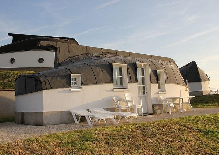 Equihen-Plage inverted boat houses