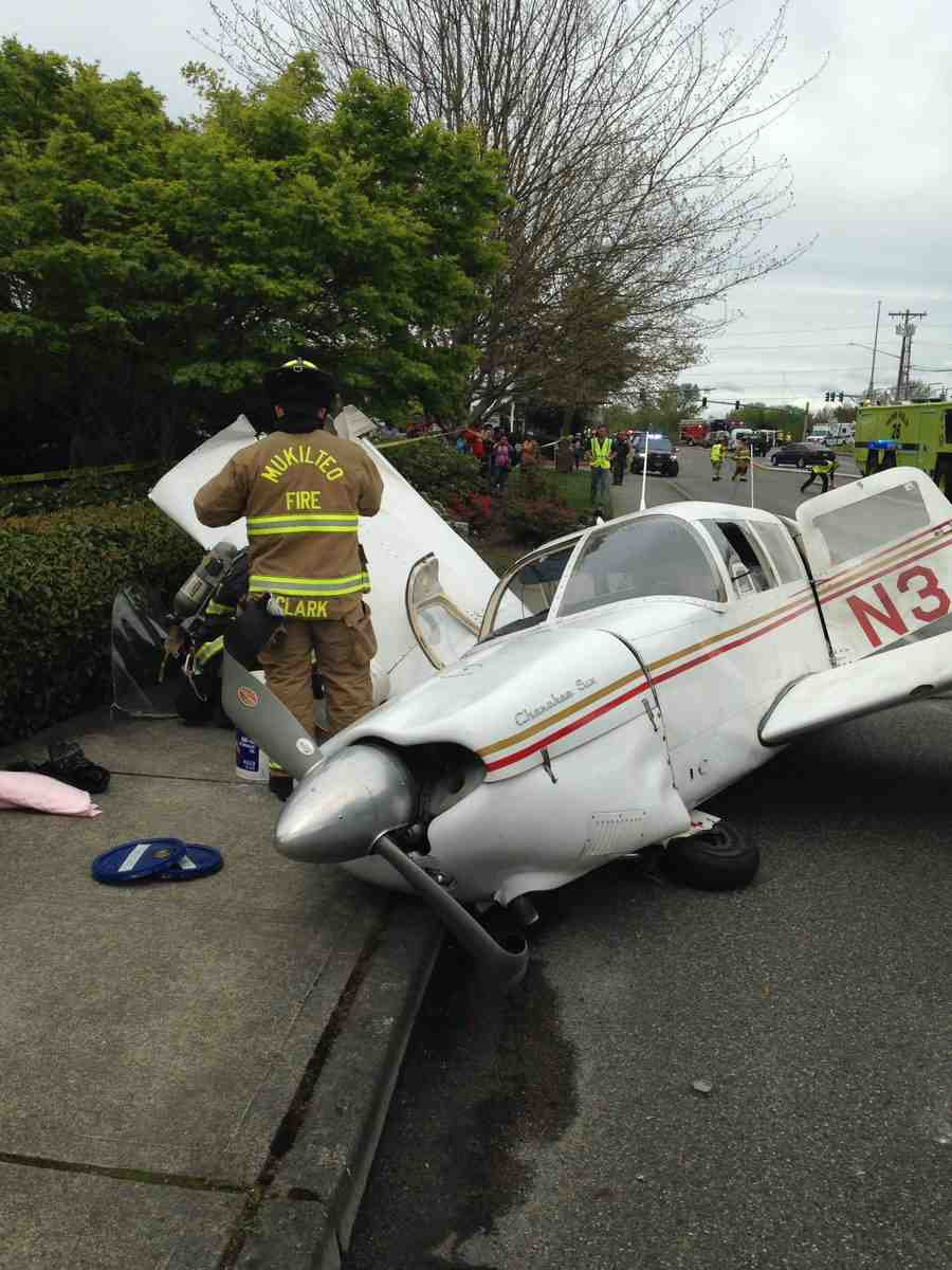 Mukilteo plane crash along Harbour Pointe Boulevard
