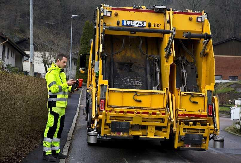 Volvo autonomous truck with human assistance