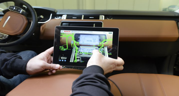 RE'FLECT Augmented Reality for Range Rover