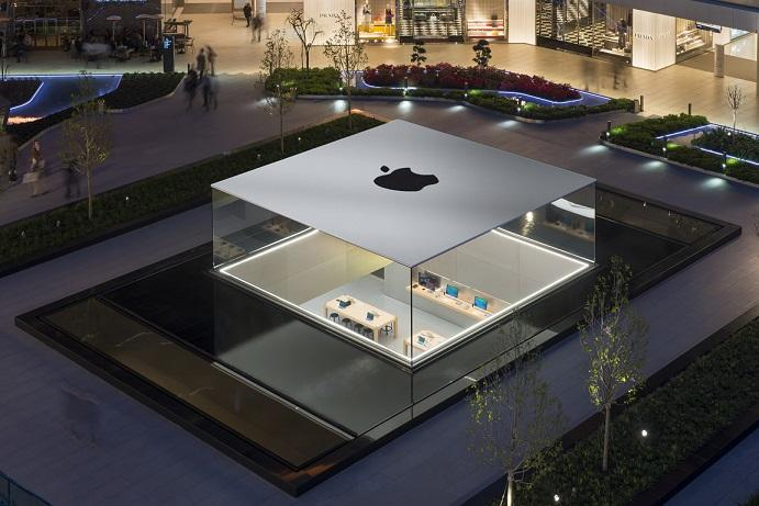 Apple store in Zorlu Center, Istanbul