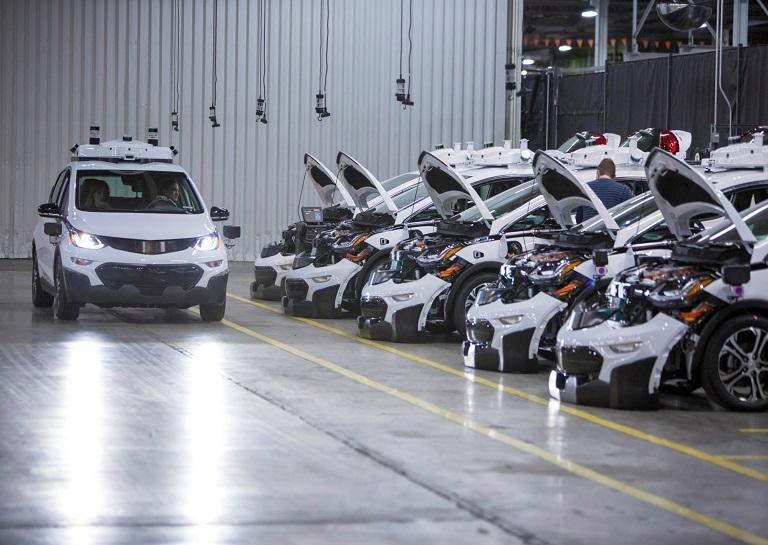 General Motors Becomes the First Automaker to Mass Produce Self-Driving Cars