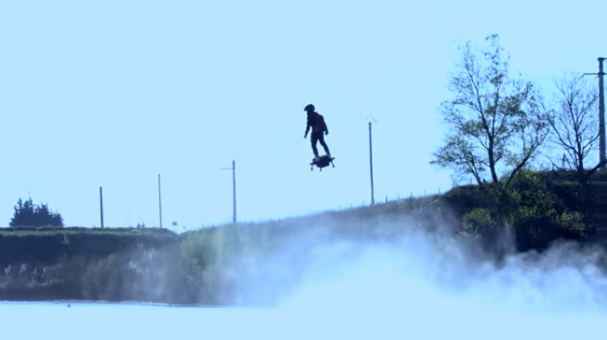 Flyboard Air flying above water