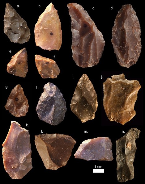 Stone tools and flints dates Homo sapiens to 300,000 years ago