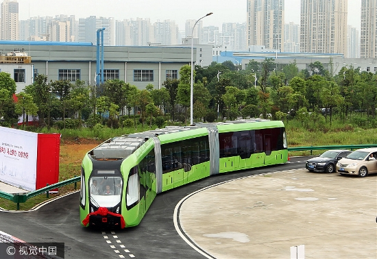 China's New Autonomous Train Doesn't Even Need Rails