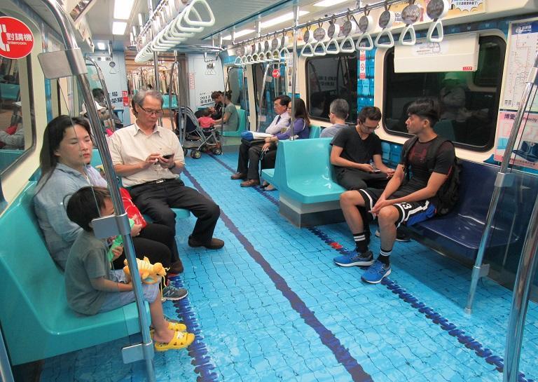 Taipei Universiade campaign on MRT train