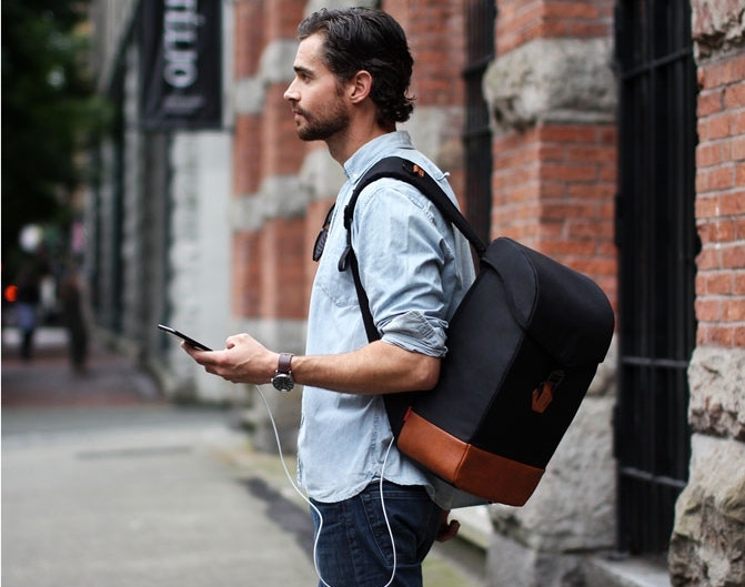 Travel and Work in Style with This Incredibly Secure Smart Bag