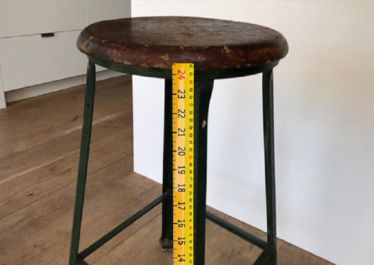 AR Measure app ruler on a stool