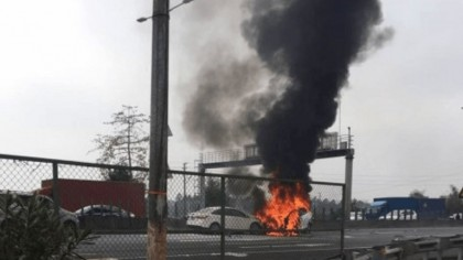 Model X Owner Sues Tesla for $1 Million After Falcon Doors Fail to Open in Fiery Crash
