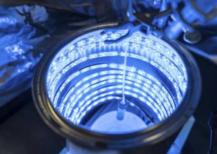 Chemists Turn CO2 to Solar Fuel and Clean Air With Artificial Photosynthesis