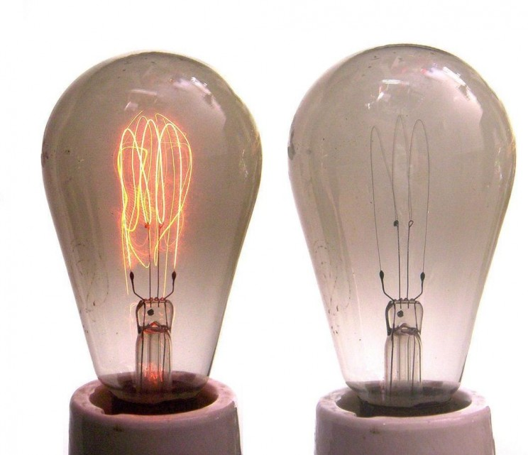 industrial revolution inventions light bulb