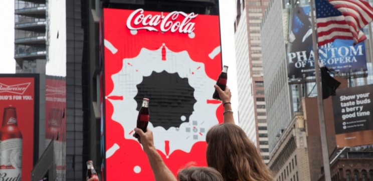 Coca Cola Debuts the World's First 3-D Robotic Sign in Times Square