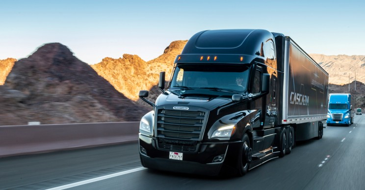 Daimler Says Self-Driving Semis will be on the Road in 10 Years