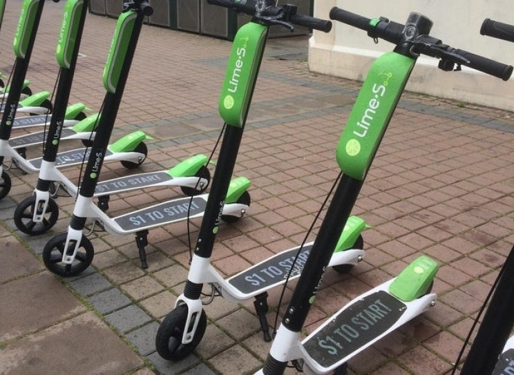Electric Scooters Threaten to Call the Police on Curious Pedestrians