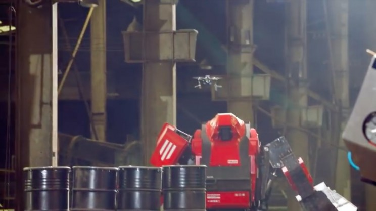 USA and Japan's First Giant Robot Battle Is No Kids' Play!
