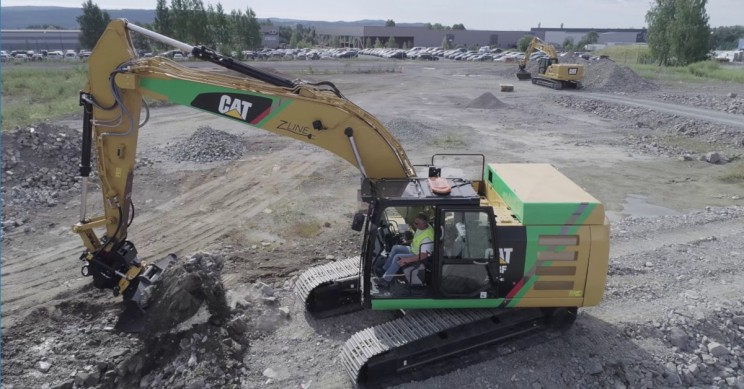 Caterpillar Excavator Gets Electrical to Go Green