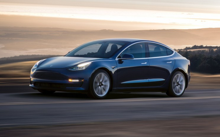 Tesla to Give a Model 3 to Whoever Hacks Its Car