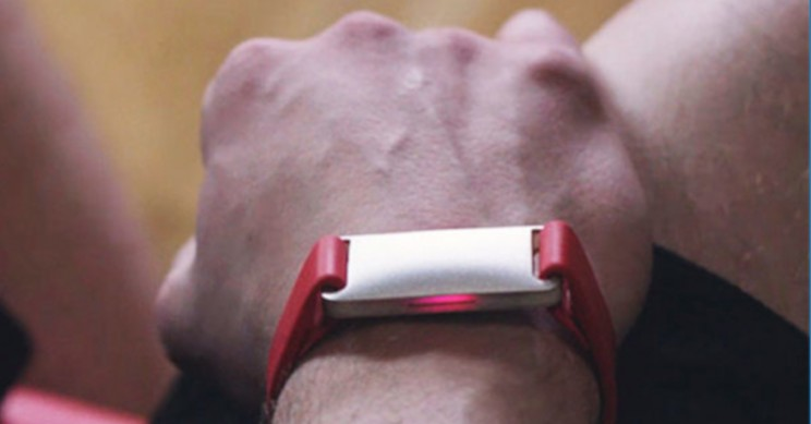 This Fitness Wearable Uses Bioimpedance to Track Your Activity