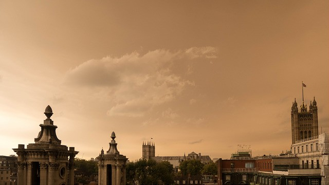 What Caused the Weird Red Sky over London This Week?