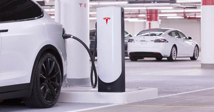 Tesla Offers Free Supercharging to Hurricane Florence Evacuees