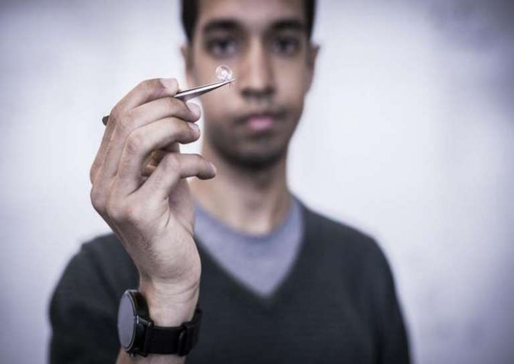 Interscatter Device Allows Contact Lenses to Communicate Through Wifi