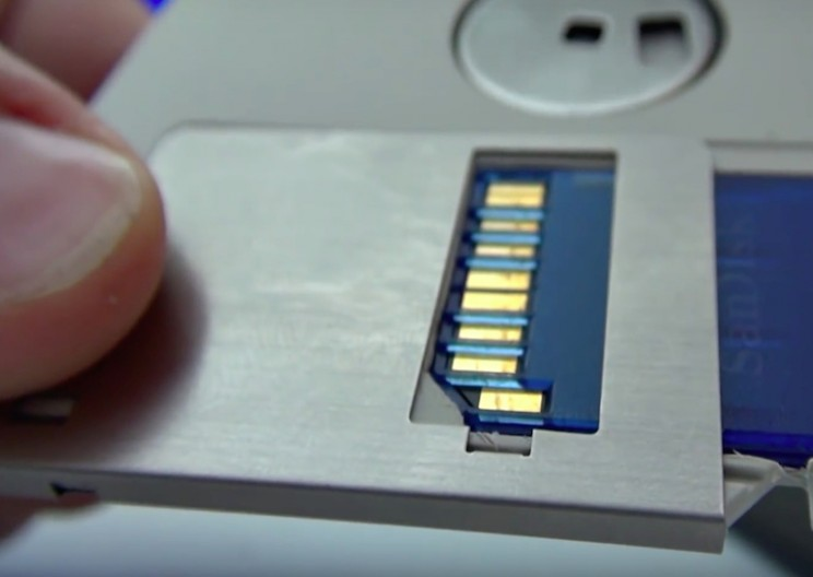 Man Creates a 128 GB Floppy Disk