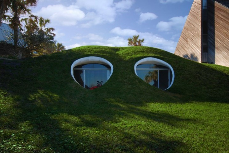 5 of the most unbelievable houses and one piece of art