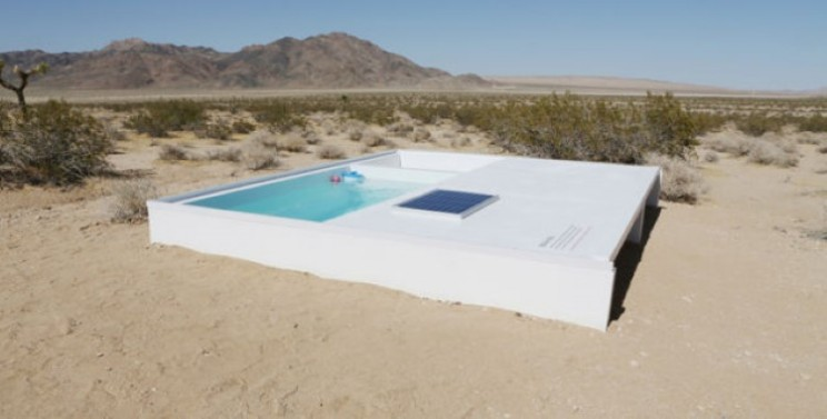 Hidden swimming pool in the Mojave Desert is free to use, but only if you can find it!