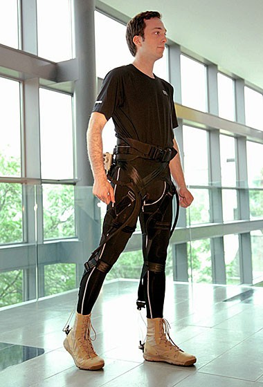 Harvard scientists develop soft exoskeleton to improve stamina and reduce injuries
