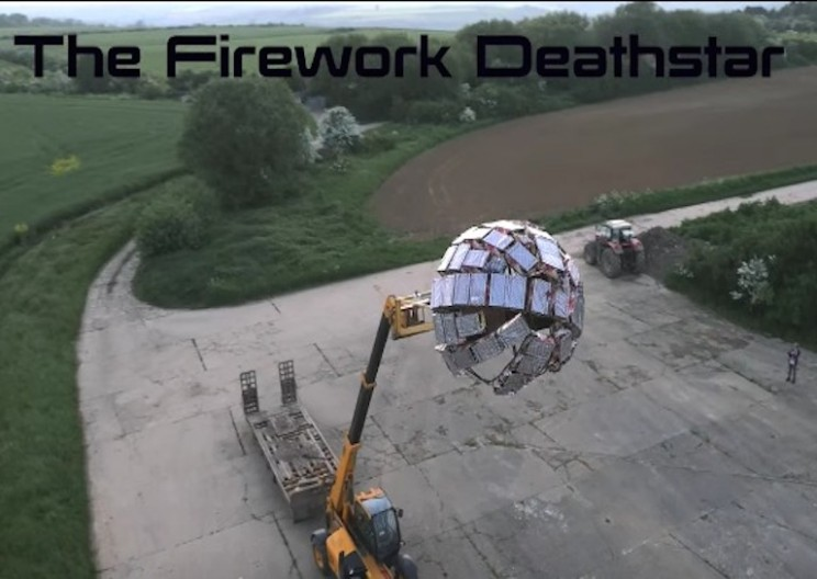 Inventor Builds Giant 5,000 Firework Deathstar